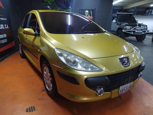 Peugeot 307 .
