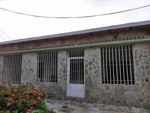 Casa En Venta Paraparal Los Guayos Carabobo 20-3798 Ez