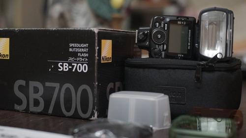 Flash Nikon Sb 700 Con Accesorios (muy Poco Uso).