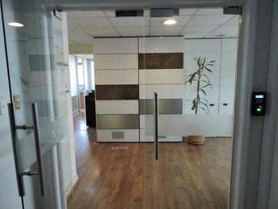 Oficina En Venta / Metro Tobalaba
