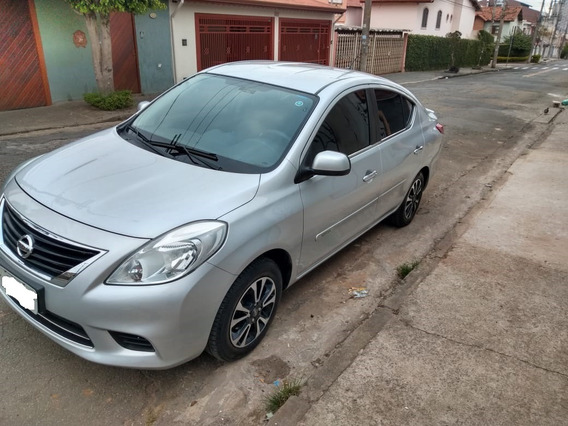 Nissan Versa Sv 1.6 2013 Prata 2013 - Completo
