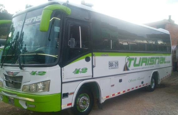 Buseta Hino Con Carrojeria Jgb, Modelo 2004
