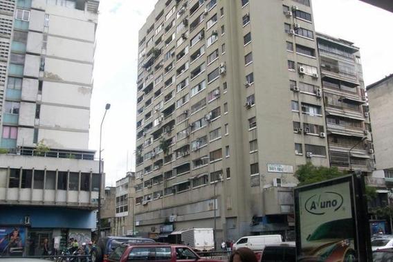 Oficina En Alquiler En Chacao Amoblado Est. Publico....