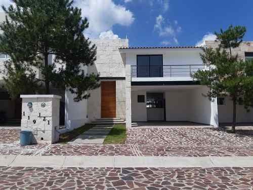 Venta Casa Leon Magnifica Residencia 3 Rec.+ Cto. Serv. Fte.a Area Verde