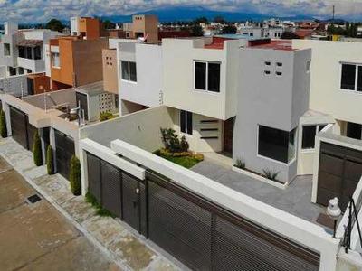 Bonita Casa En Privada En Metepec