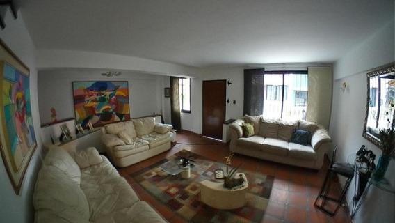 Casa En Venta El Parral, Valencia Cod 20-8207 Ddr