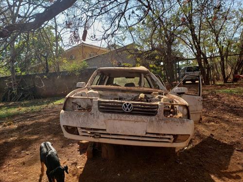 Imagem 1 de 4 de Volkswagen Santana Batido - Vendo Peças