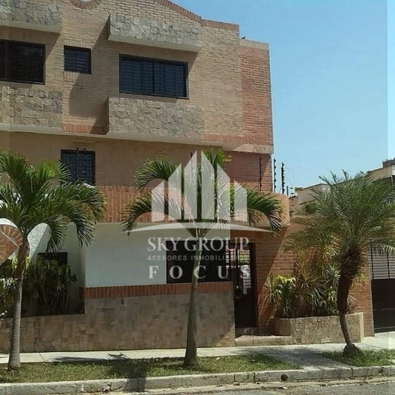 Sky Group Vende Townhouse En El Parral, Valencia. Sdc-502
