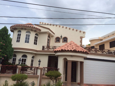 Alq. Casa Los Almendros, Alameda, 7 Hab. 5 Baños, 4 Pqueo