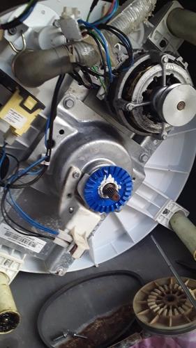 Imagem 1 de 5 de Dinely Máquinas De Lavar Em Geral