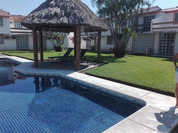 Casa En Renta A Llano Largo, Llano Largo