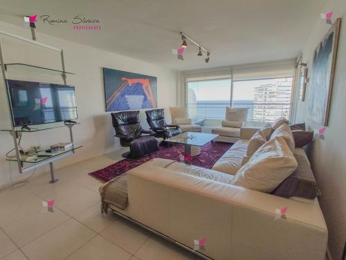 Apartamento En Venta En Playa Brava, Punta Del Este- Ref: 9491