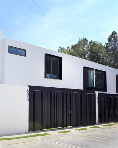 Casas En Venta En Cd. Bugambilias, Azaleas #825, Zapopan