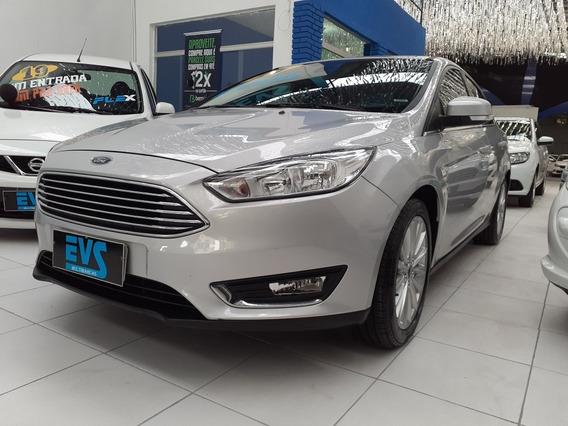 Ford Focus Sedan Titanium