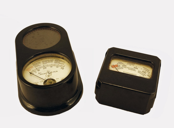 Dois Antigos Medidores De Luz - Fotômetros - Coleção