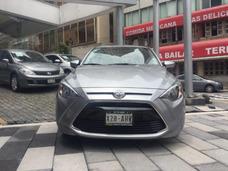 Toyota Yaris R Le Sedan 2016 Std, Nuevecito!