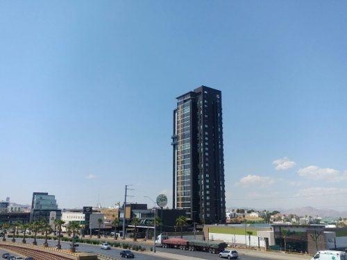 Hermoso Departamento Completamente Amueblados Con Terraza Y Hermosa Vista A La Ciudad.