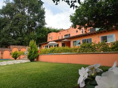 Oportunidad Hermosa Casa Amplio Jardin Alberca Asador 3 Rec.