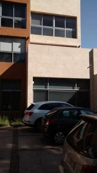 Cerro A Metros Mujer Urbana, Edificio De Oficinas Con 1 Cochera Escritura