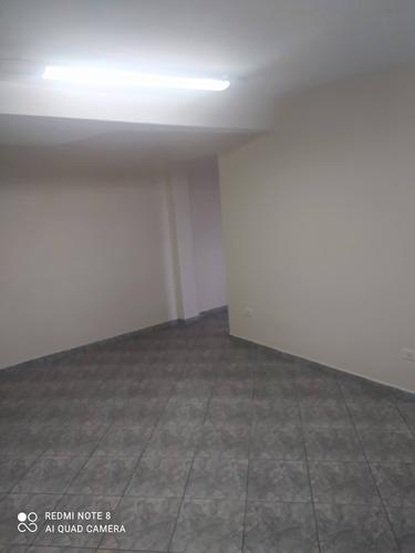 Casa Com Espaço Amplo , Três Dormitórios Porão    Fl29