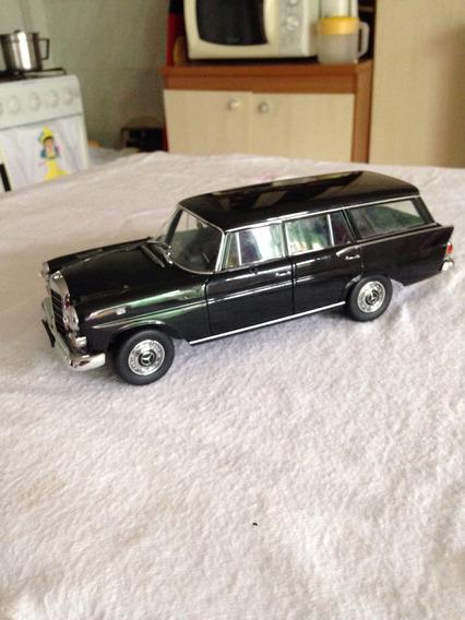 Miniatura Mercedes Benz Escala 190/200