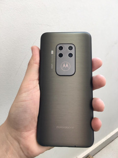 Celular Motorola One Zoom Bronze