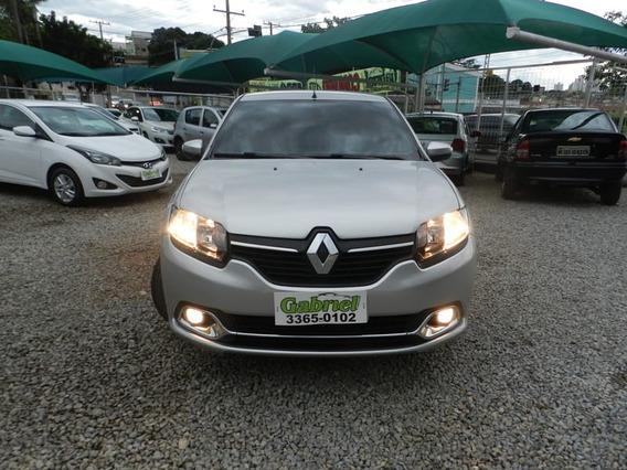 Renault - Logan Dynamique 1.6 8v Flex Mec. 2015
