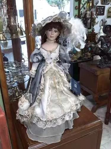 Muñeca Antigua De Colección Italiana De Porcelana