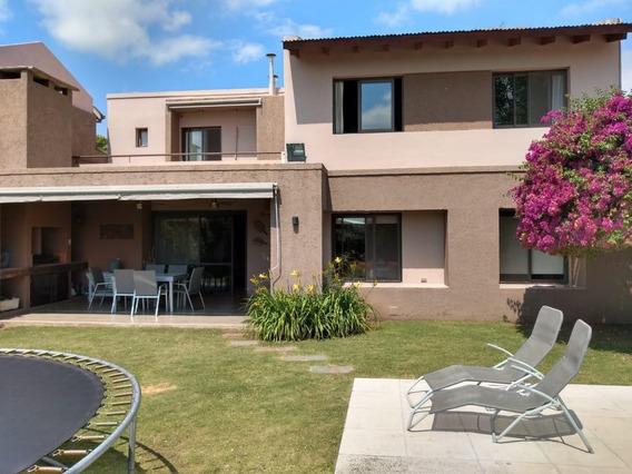 En Venta Casa Jardín Claret Córdoba - 3 Dormitorios Pileta
