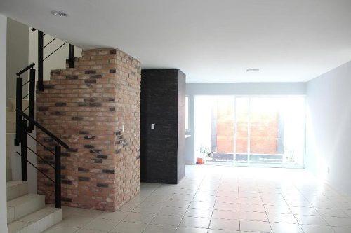 Casa Sola En Renta En Residencial Puerta De Piedra, Celaya, Guanajuato