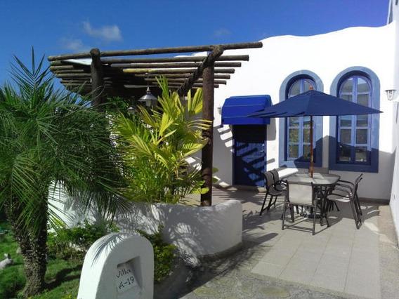 Excelente Townhouse Ubicado En La Mejor Urb De Puerto Encant