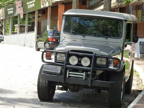 Toyota Bandeirante Jipe Longo Raridade.