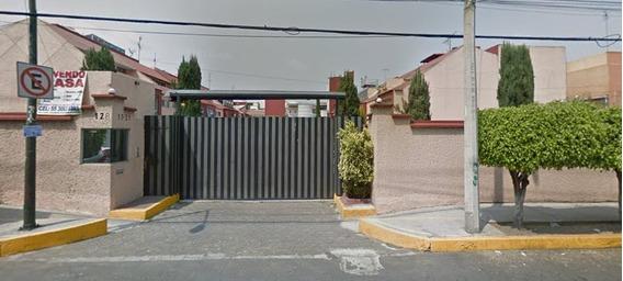 Remate Casa Con 3 Recámaras Col. Ex Hacienda Coapa
