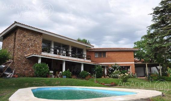 Casa Grande Con Piscina A Dos Cuadras En Punta Del Este - Playa Mansa