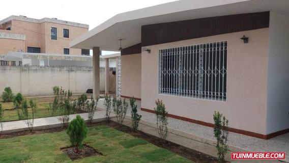 Se Vende Hermosa Casa En La Urb, El Pilar - Delicias Norte