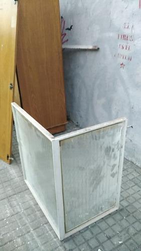 Imagen 1 de 3 de Usado - Campana Para Estractor Esquinera En Hierro Y Vidrio