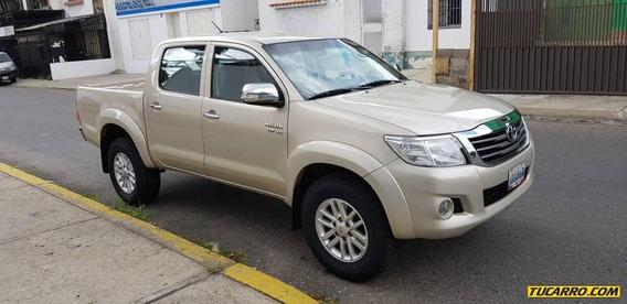 Toyota Hilux V6