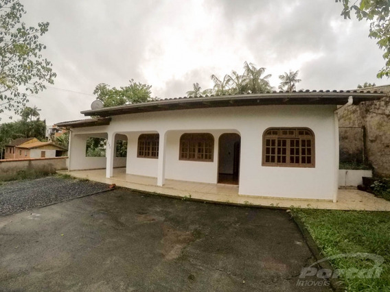 Casa Com Três Dormitórios E Demais Dependências. - 3579778