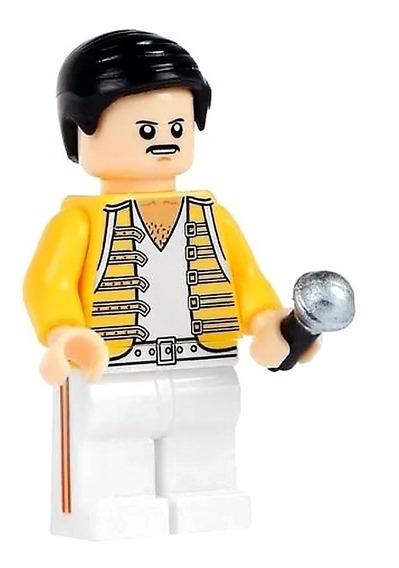 Freddie Mercury Com Jaqueta Amarela Queen Bloco De Montar