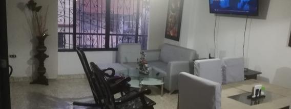 Casa Unifamiliar En Venta - Sector Aranjuez, Medellin Cod: 19684