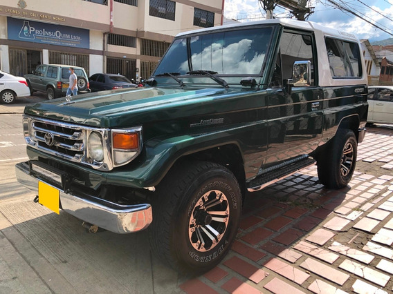 Toyota Land Cruiser Macho 4x4