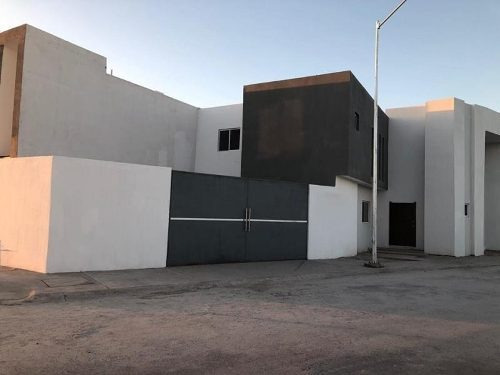 Casa En Venta En Fracc. Palma Real Viñedos
