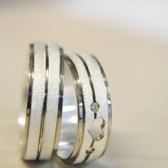 Aliança De Prata 950 Reta Pedras Coração Vazado