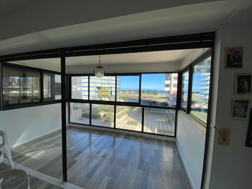 Apartamento A Pasos De La Peninsula Y Playa Brava. - Consulta!!!!!- Ref: 3615
