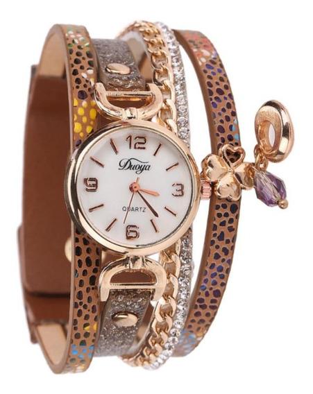Relógio Feminino De Pulso Com Detalhes Dourado E Pingente