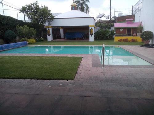 Imagen 1 de 14 de Residencia En Venta Con Jardín Y Alberca
