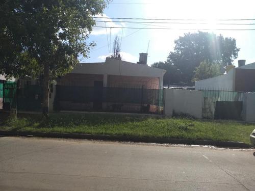 Casa En Moreno ***