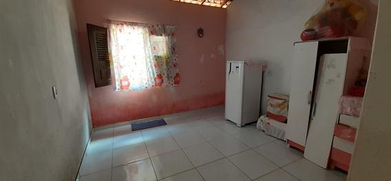 Vendo Uma Casa Com 5 Compartimento Varanda E Murada