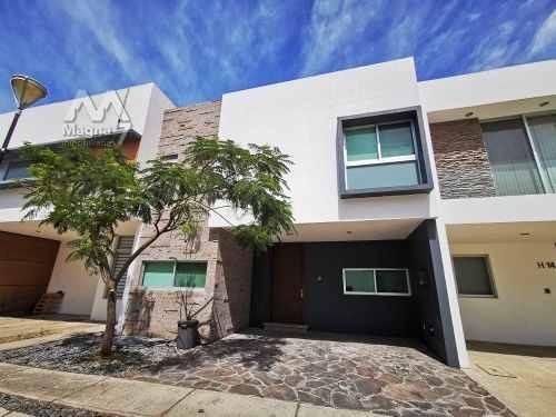 En Renta Casa Equipada Zona Solares Tec De Monterrey