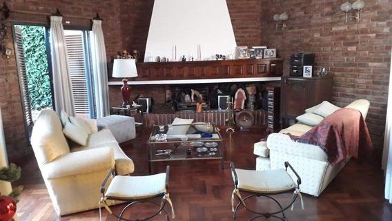 Casa A La Venta De 3 Dormitorios En Parque Corema.córdoba